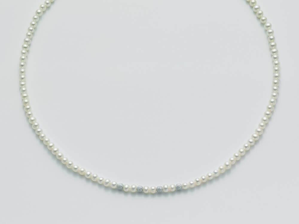 Miluna collana perle e Oro 18 Kt Pcl1836